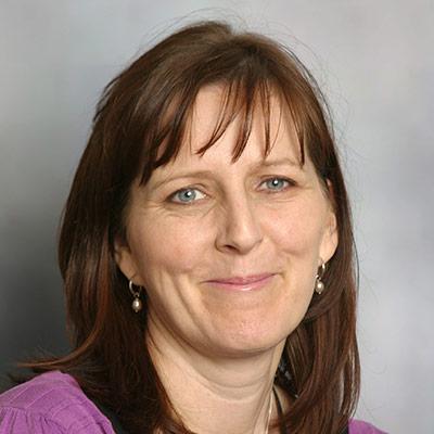 Ms Karen Hunter